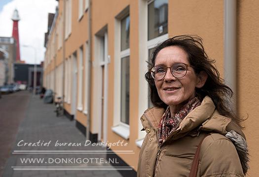 Linda leeft op straat. Tekst en foto's: Martien Versteegh
